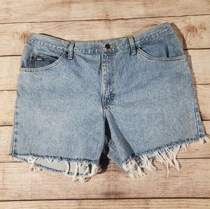Lee cut off distressed hem blue jean shorts 16-18